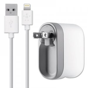 Belkin Swivel Charger, 2.1 Amp Port, Detachable Lightning Cable BLKF8J032TT04 F8J032TT04-WHT