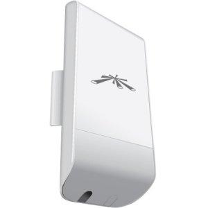 Ubiquiti 5Ghz Indoor/Outdoor airMax 13dBi CPE LOCOM5-US locoM5